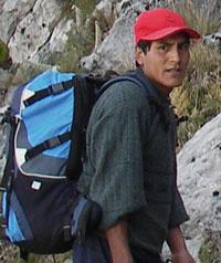 Rodolfo-trek-and-climb-porter