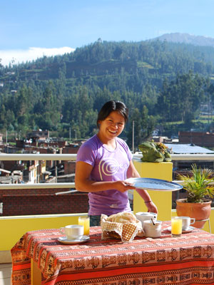 yovana-serving-breakfast