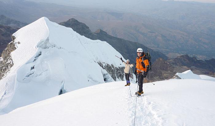 Climbing-Vallunaraju