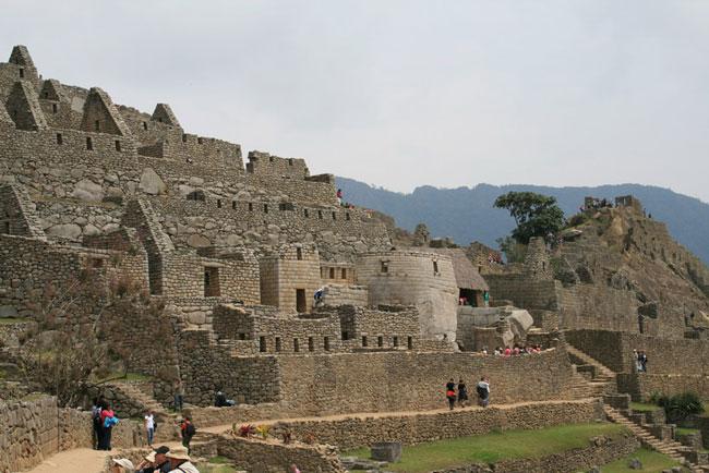 Machu-Picchu-guided-tour