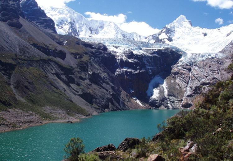 Peru-quilqueyhuanca-trek