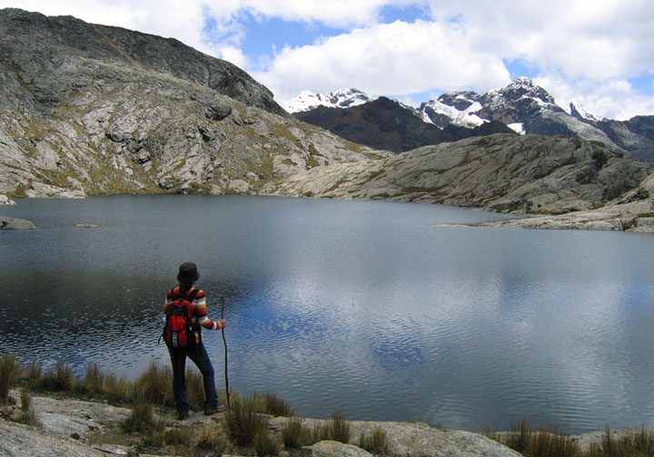 Peru, treks, climbs, hiking, - cordillera-blanca-day-hike-laguna-ahuaccocha-huaraz