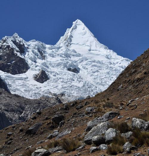 cordillera-blanca-trek-Alpamayo-mountain