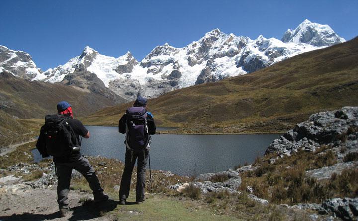 cordillera-huayhuash-trekCarnicero-pass