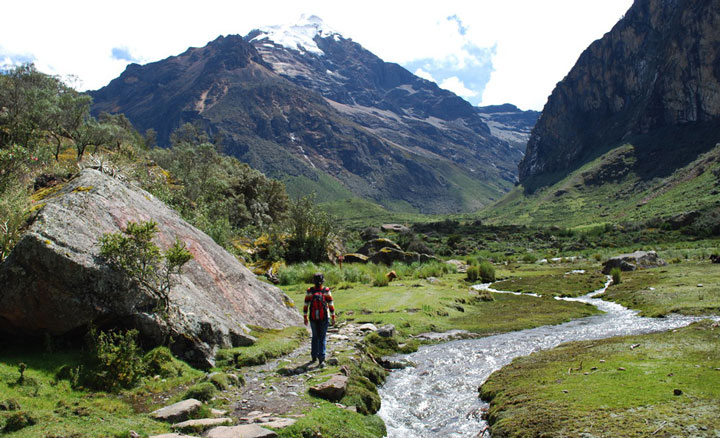 Peru, treks, climbs, hiking, - day-hike-quillqueyhuanca-valley