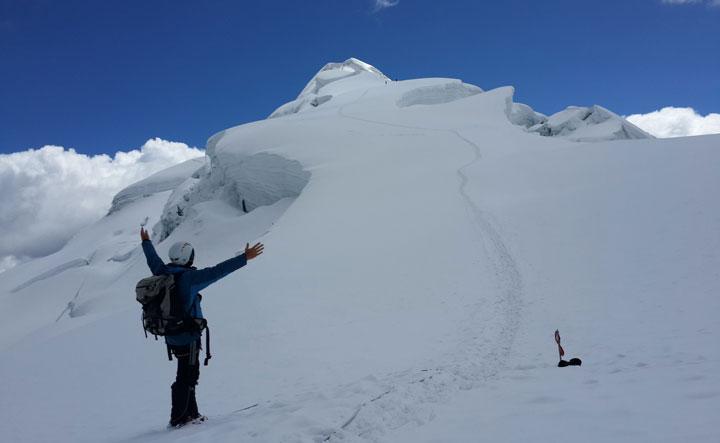 trekking-huayhuash-circuit-climb-Ishinca