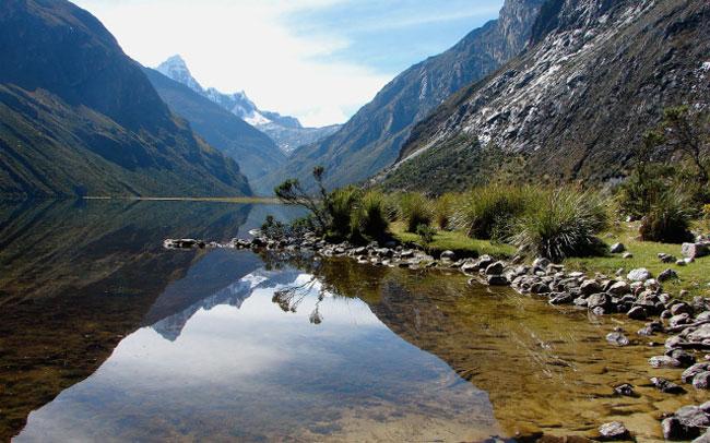 santa-cruz-trek-hatuncocha-lake