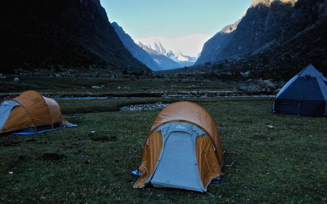 santa-cruz-trek-llamacorral-camp-site