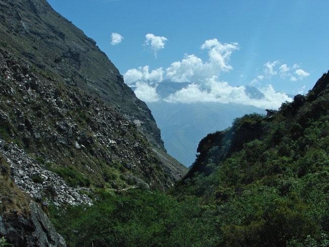 santa-cruz-valley-cordillera-blanca