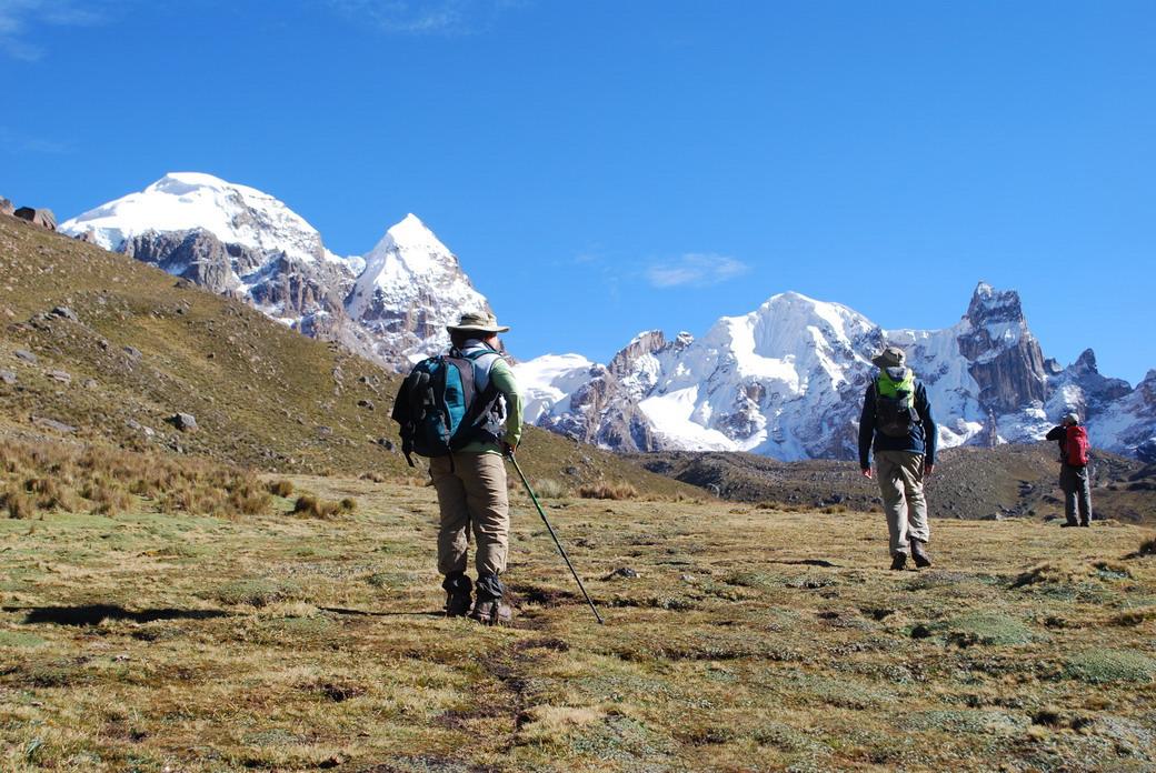 Peru, treks, climbs, hiking, - Cuyoc Pass