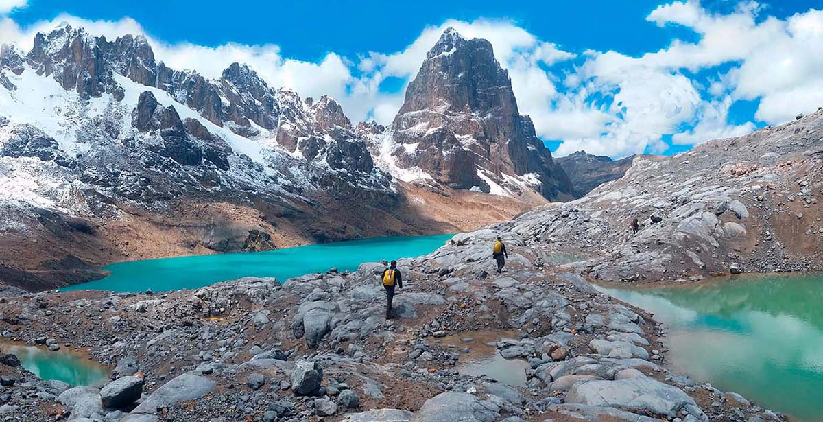 Peru, treks, climbs, hiking, - descending from trapecio pass