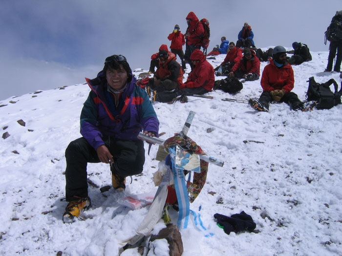 aconcagua-summit-with-peruvian-guides
