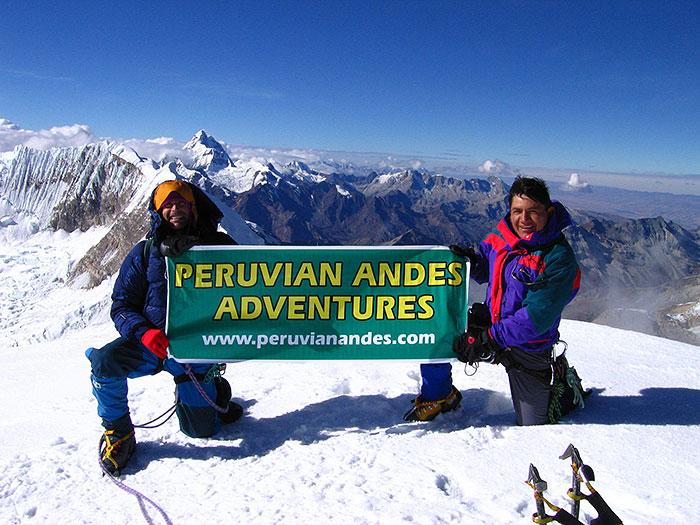 Peru, treks, climbs, hiking, - cumbre-de-tocllaraju