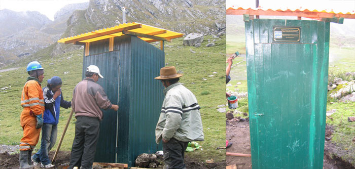 toilets-in-the-Cordillera-Huayhuash