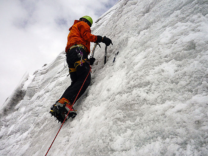 Ice-Climbing-instruction