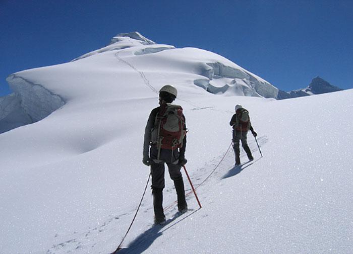 Climbing-Ishinca
