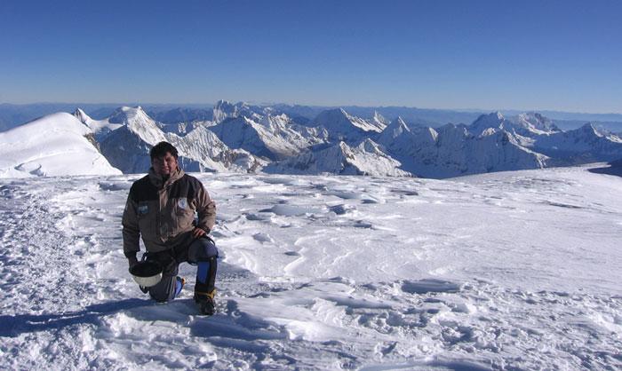 hisao-morales-huascaran-summit-6768m