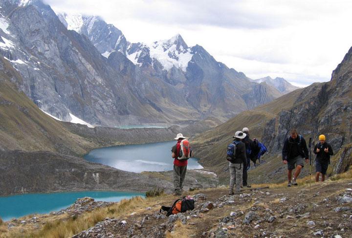 huayhuash-trekSiula-lakes