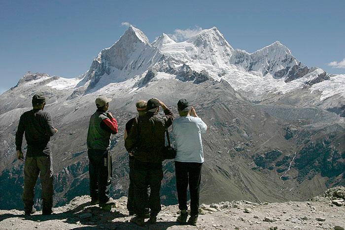 Peru, treks, climbs, hiking, - mirador-de-portachelo