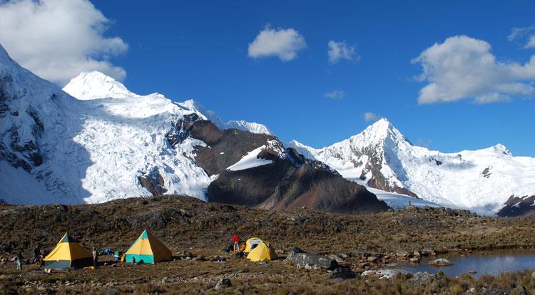 quillqueyhuanca-trek-camp-huapi