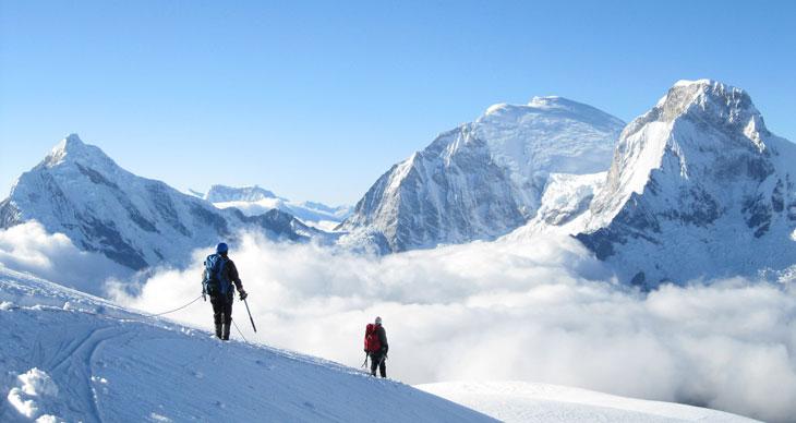 santa-cruz-trek-Pisco-yanapaccha-climbing