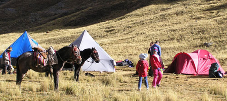 Peru, treks, climbs, hiking, - Pony-trek-children